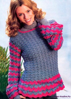 132 Пуловер с яркими рюшами