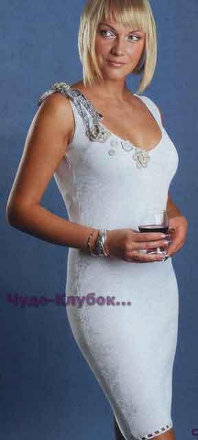 Белое платье с цветочной отделкой 699