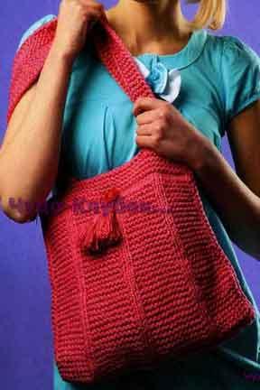 Розовая сумка, декорированная кистями 111