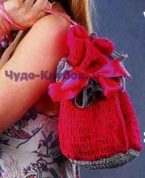 Розовая сумка с серой оборкой 109