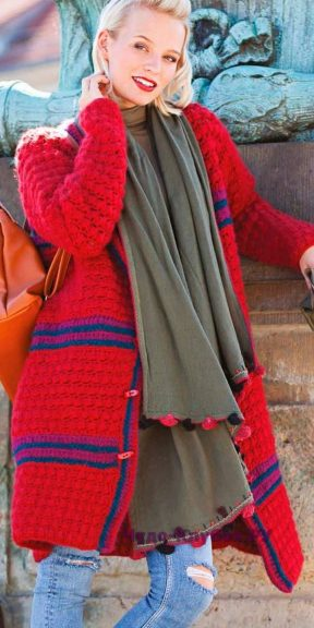 86 Пальто красного цвета