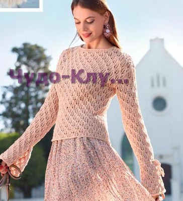 pulover s glubokim dekolte na spinke 1202