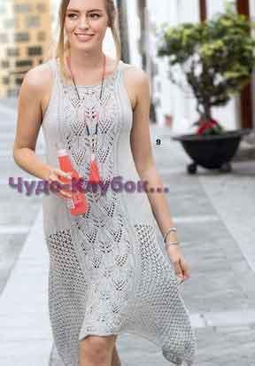 фото Асимметричное платье серебристо-серого цвета вязаное спицами 758