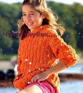 Azhurnyiy pulover s kapyushonom vyazanyiy spitsami 23