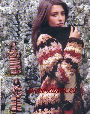 palto s raznoczvetnymi polosami vyazanoe kryuchkom 8