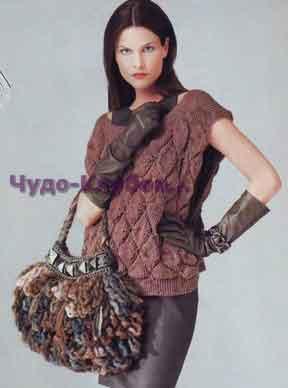 фото Безрукавка с фантазийным узором вязаная спицами и крючком и сумка с узором петля вязаная крючком 308