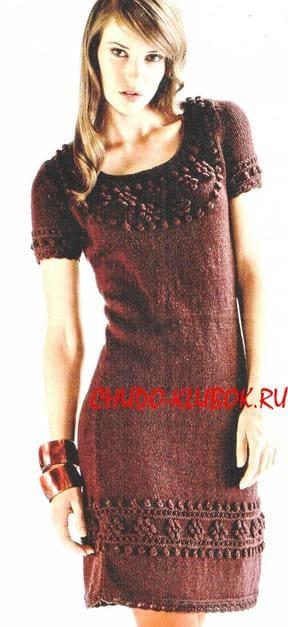фото Платье цвета бордо вязаное спицами 21
