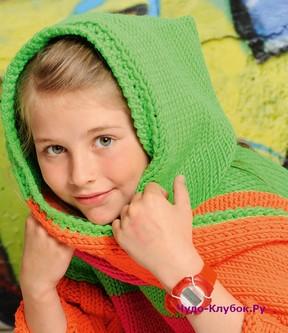 фото Яркий шарф-капюшон для девочки вязаный спицами и крючком 27