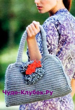 фото Декорированная цветами сумка вязаная крючком 210
