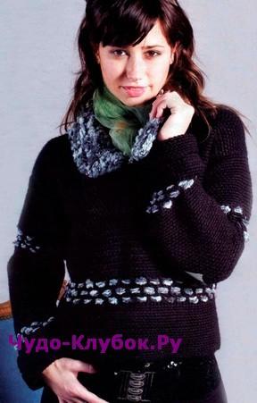 Пуловер из буклированной пряжи вязаный крючком 1807