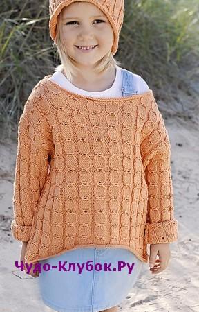 Detskiy pulover s ukorochennyim peredom i shapochka vyazanyiy spitsami 115
