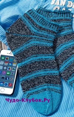 схема Мужские короткие носки вязаные спицами 358