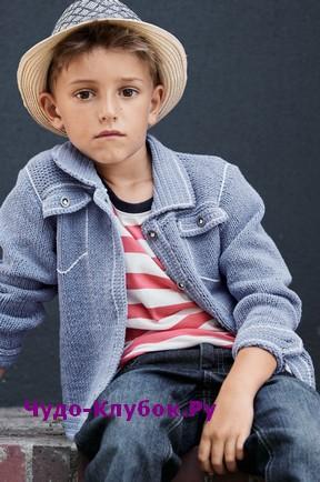 схема Стильный жакет с карманами для мальчика вязаный спицами и крючком 77