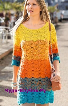 схема Яркое летнее платье вязаное спицами 816