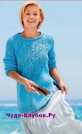 схема Пуловер со скошенным боковым разрезом вязаный спицами 1871