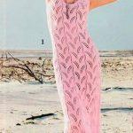 схема Нежно-розовое платье с бретелями вязаное спицами 894
