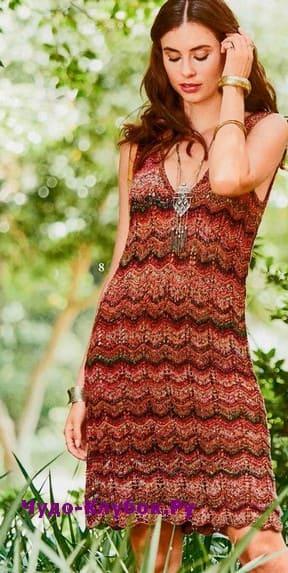 схема Платье с зигзагообразным узором вязаное спицами 897