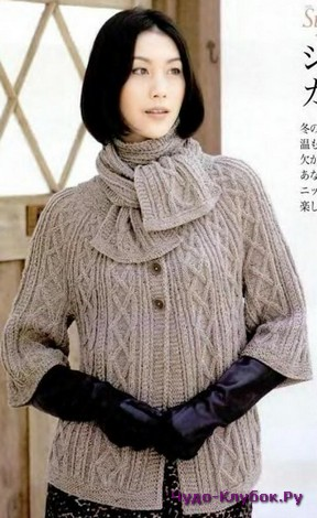 фото Теплая кофта с шарфом вязанаям спицами 22